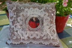 coussin lady rouge.JPG